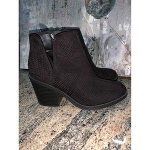 Black zip up ankle booties!